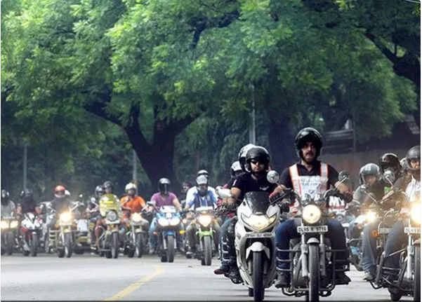 How two-wheeler riders can protect themselves from Delhi's air pollution